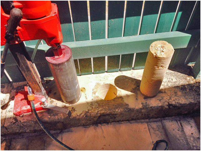 installing Colorbond fence onto limestone blocks Perth