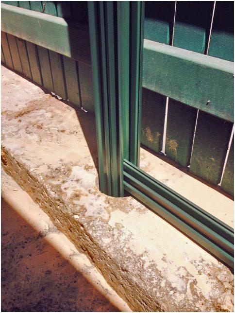 Colorbond fence installers into limestone blocks perth